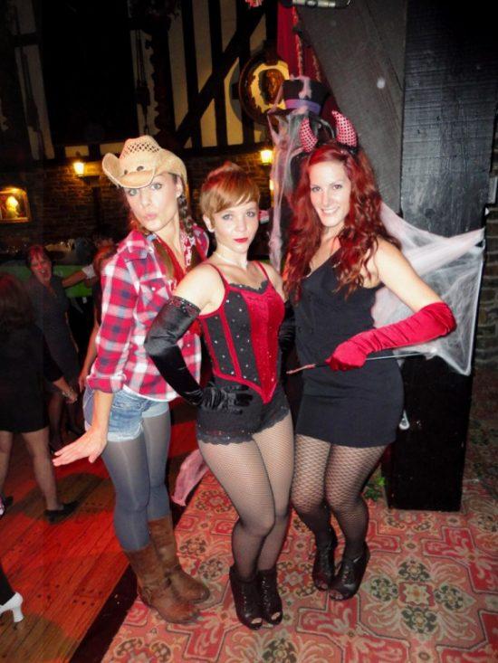 Oct_28_2011_-_Vinyl_Slid_Gold_Halloween_Party_4